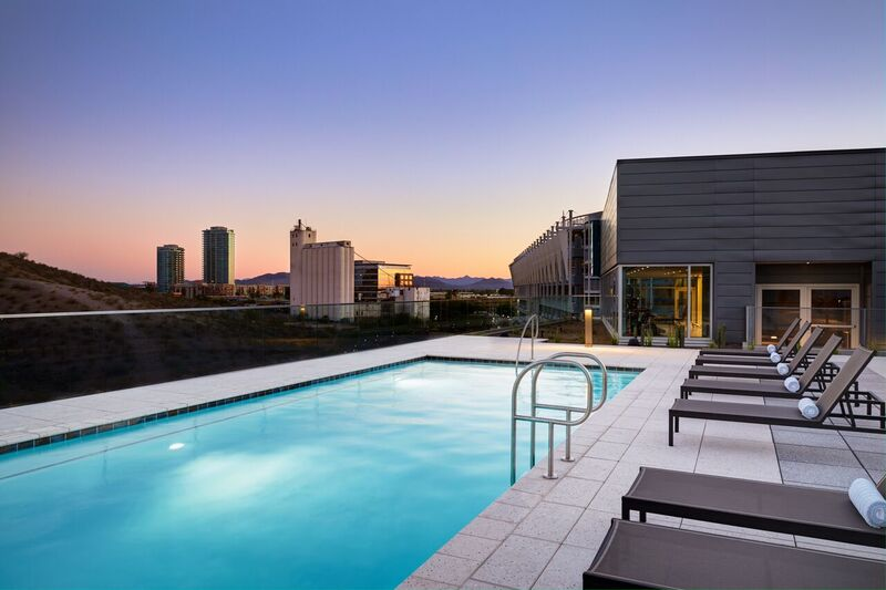 77-AC Rooftop Pool